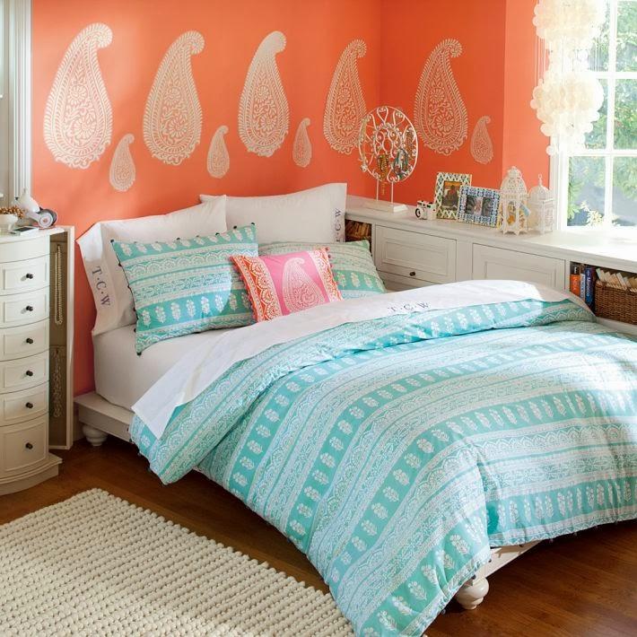 paisley wall, paisley motif, indian bedsheet