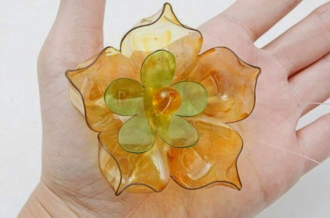#T14 DIY: Flores con fondos de botellas plásticas