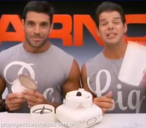 Propaganda do Pic Liq da Arno com Alexandre Frota e Raul Gazola. Campanha veiculada nacionalmente em 1995.