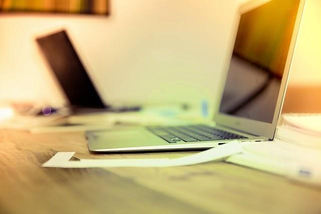 laptop,computer,desk