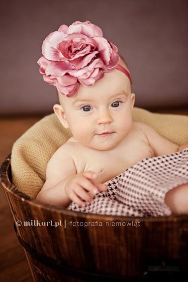 sesja niemowlęca, fotografia niemowlaków, sesje fotograficzne noworodków, zdjęcia rodzinne