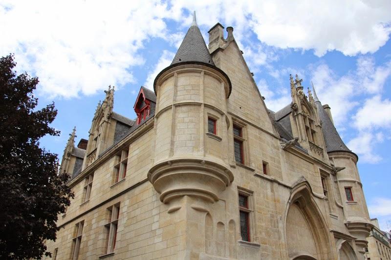 Paris : Hôtel de Sens