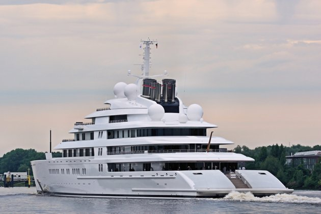Welcome To Samuel Egege S Blog World S Biggest Yacht 590ft Azzam