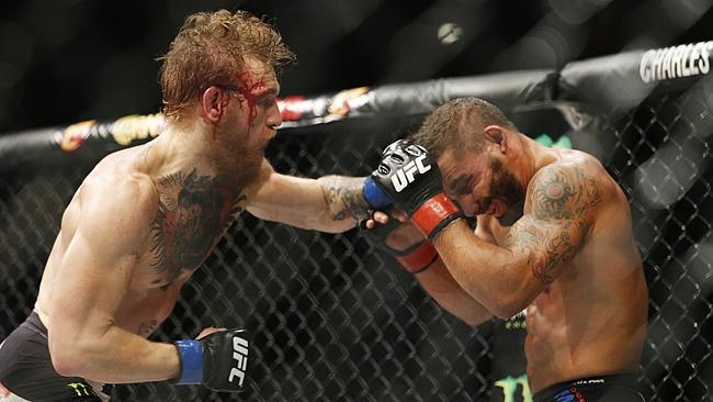 McGregor melawan Chad Mendes