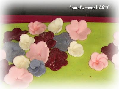 Handgeformte Blüten Blumen MMF