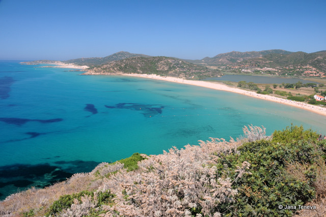 jana around the world chia beach in sardinia la spiaggia