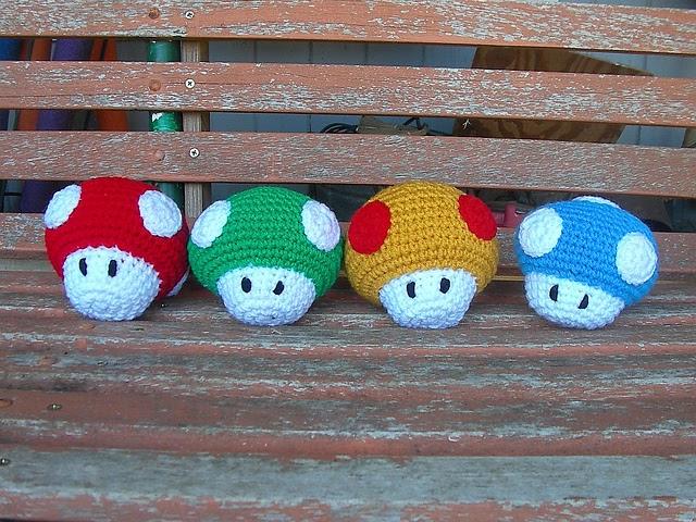 Amigurumi Mushroom Crochet Patterns : 2000 Free Amigurumi Patterns: Mario Mushroom