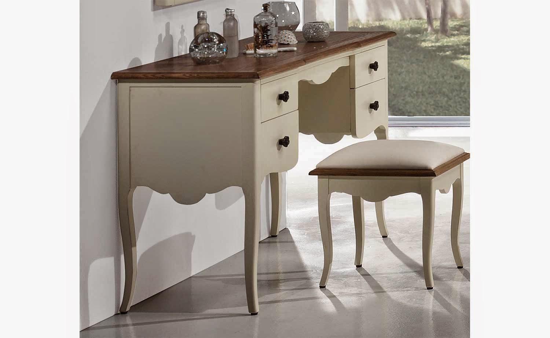 http://www.portobellostreet.es/mueble/39468/Tocador-vintage-Lafayette