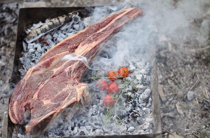 Стейк президента: готовим мясо на углях