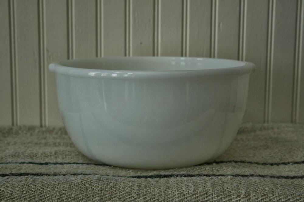White pyrex bowl, mixing bowl, white dishes