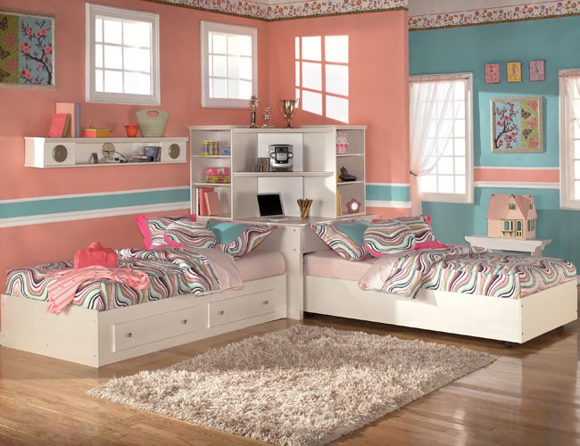 bedroom for teen kids space conserving twins girls sharing two bed