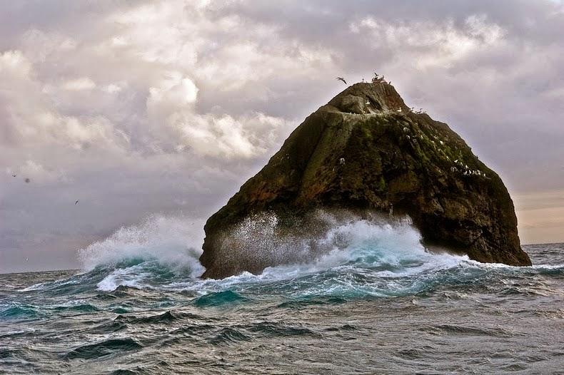 4 Negara Memperbeutkan Pulau Kecil ini