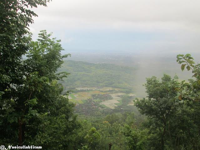 Pemandangan dari Watu Amben