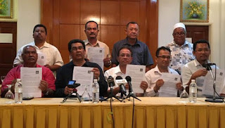 Gabungan Ketua Cawangan gerak penyokong ke Ibu Pejabat UMNO