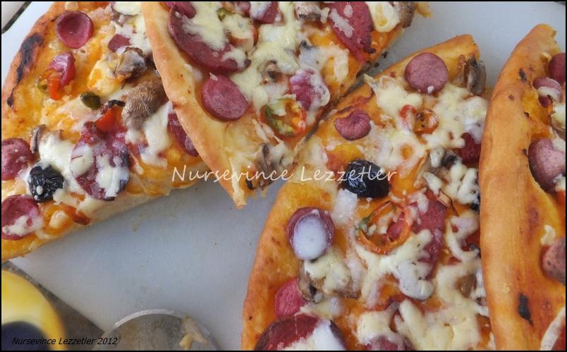 Ev yapımı pizza için malzemeler