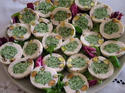 Rolada szpinakowa z pistacjami