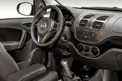 Fiat aumenta preços do Grand Siena e anuncia linha 2015