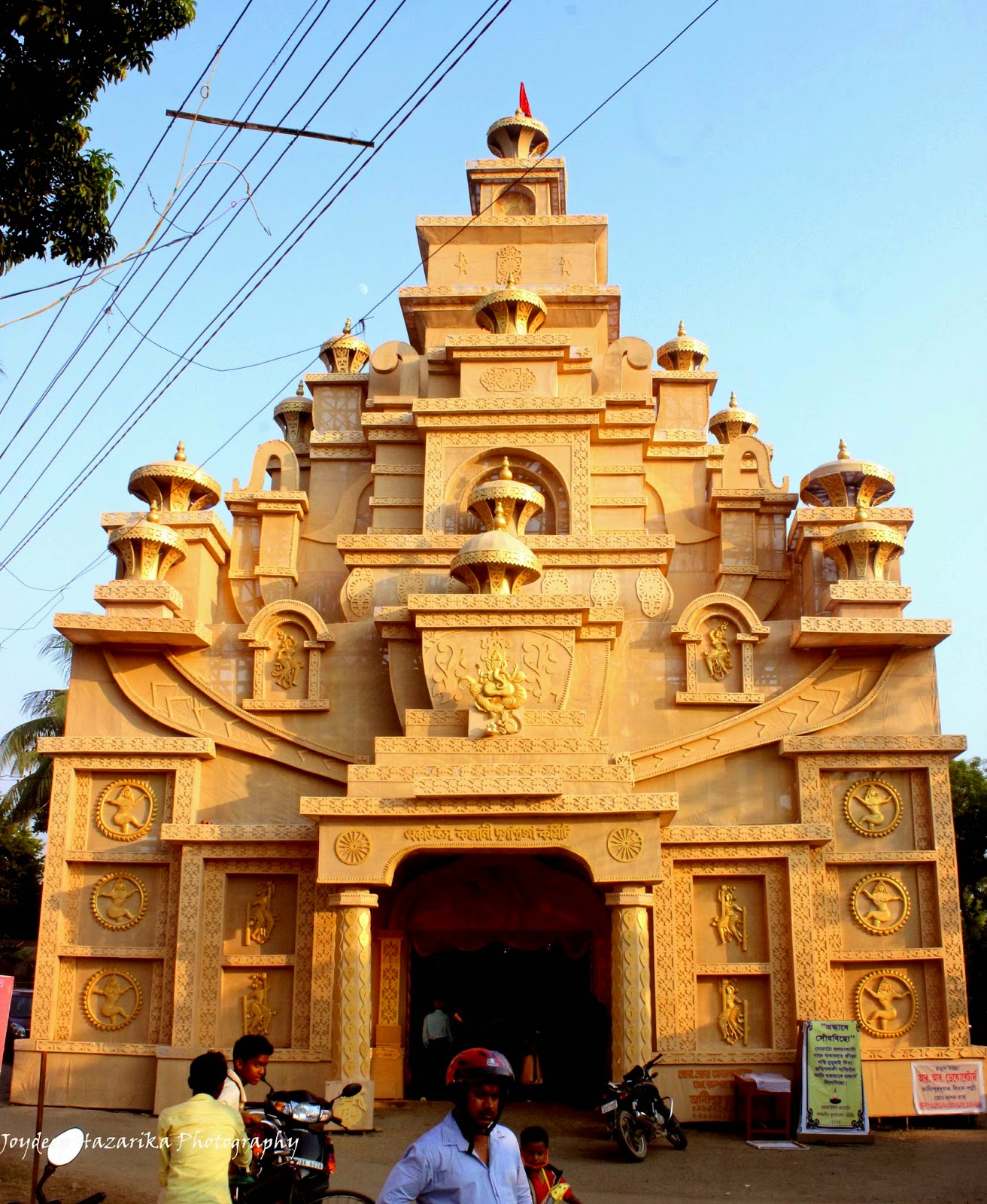 My likhoni durga puja in guwahati viewing through my lenses a grand puja pandal set up in the citys maligaon locality thecheapjerseys Image collections