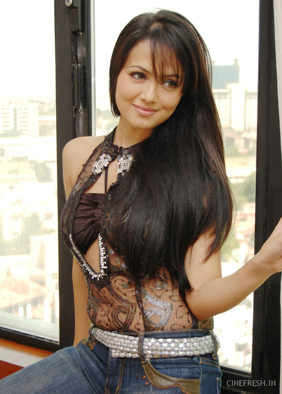 santa big and beautiful singles Beautiful women and lovely ladies from south america - new ladies page santa marta age: 19 job: meet hundreds of beautiful.