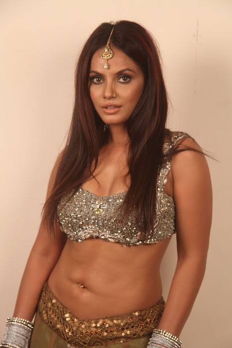 neetu chandra for spicy for settai movie unseen pics