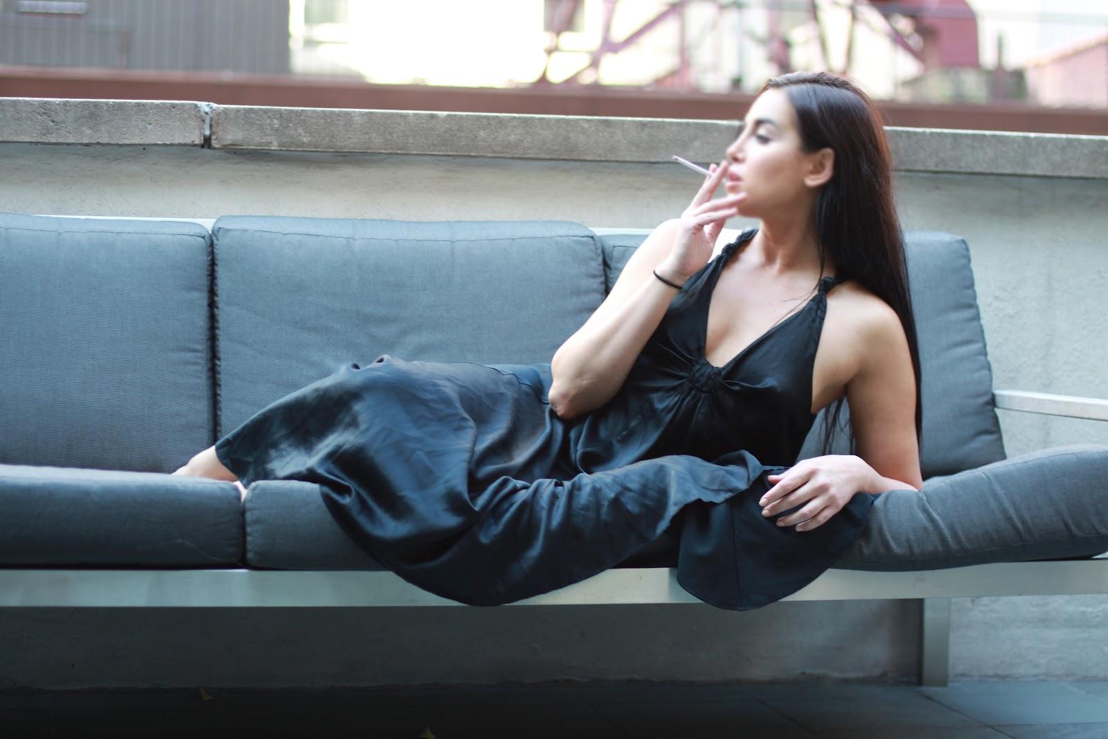 Smoking domina nyx