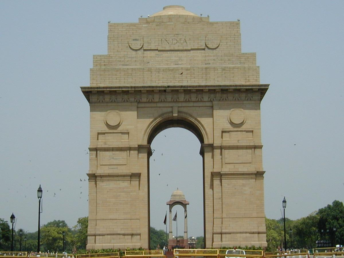 india gate essey in hindi Located in the heart of new delhi india gate was built by edwin lutyens in 1921 india gate is also known as indian army's tomb know more about india gate history, maps, images and much.