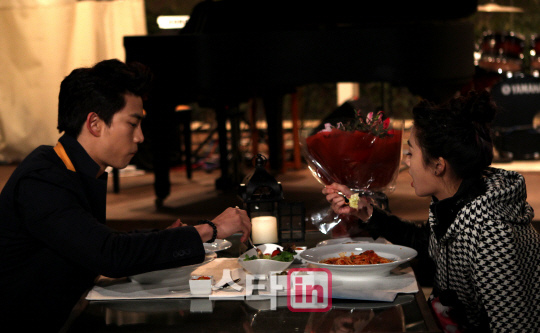 Taecyeon 2PM & Wu Ying Jie