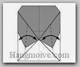 Bước 7: Tạo nếp gấp hai góc giấy bằng cách gấp vào trong sau đó lại mở ra.