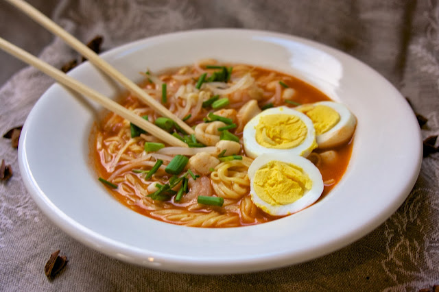 Simple Mee Rebus: Simple Living and Eating