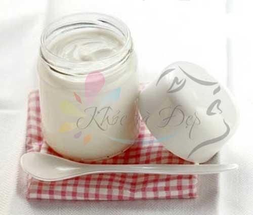 Làm trắng da tại nhà bằng sữa chua rất dễ