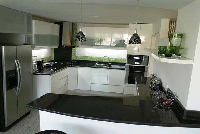 Muebles de cocina mueblesjara for Muebles de cocina negro