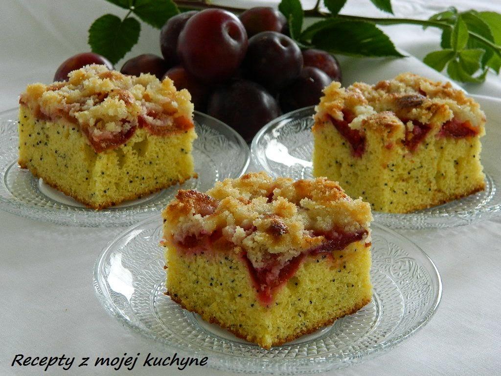 Slivkový koláč s makom a drobenkou