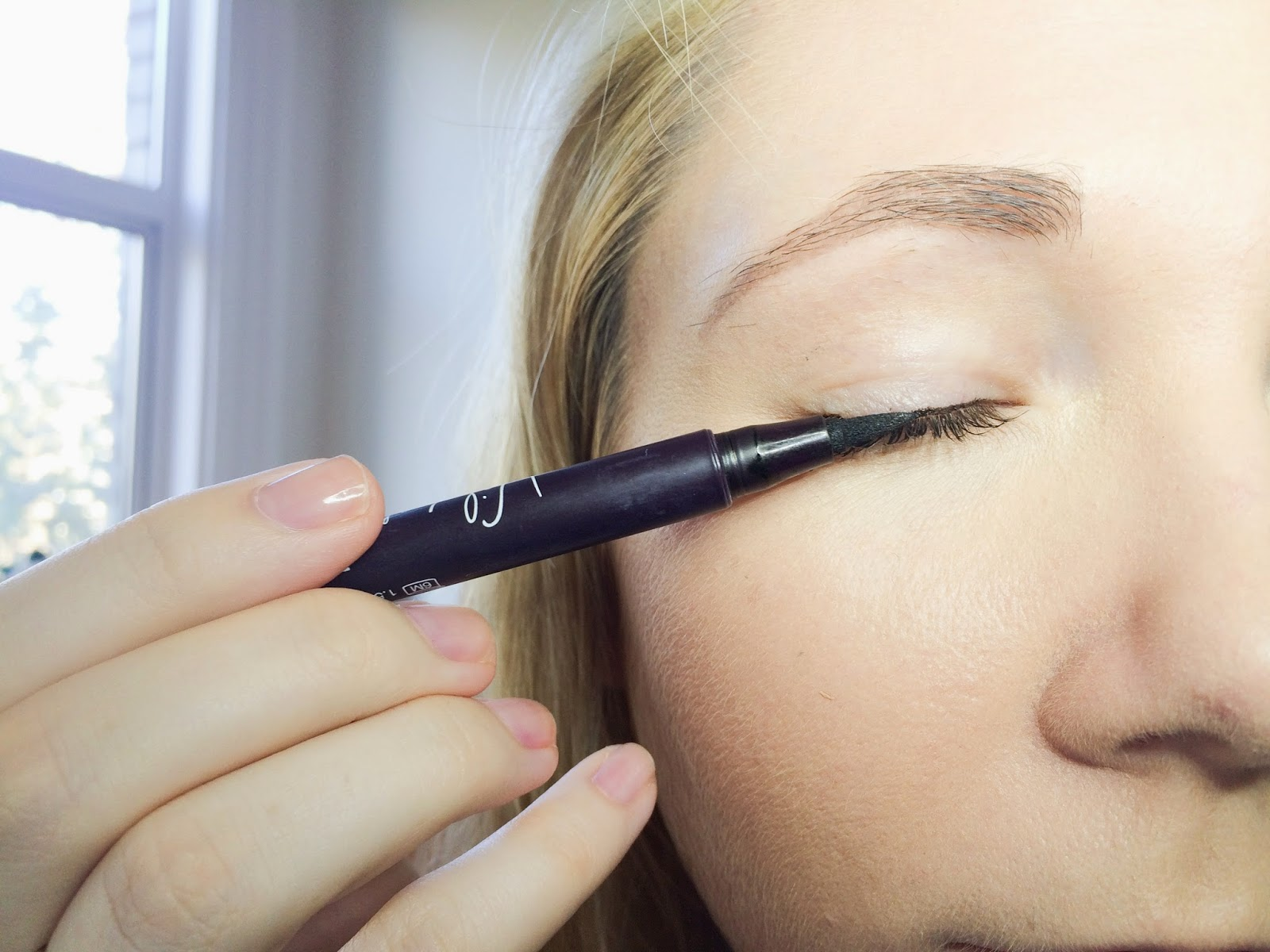 Wild About Beauty Line & Define Liner Pen Review