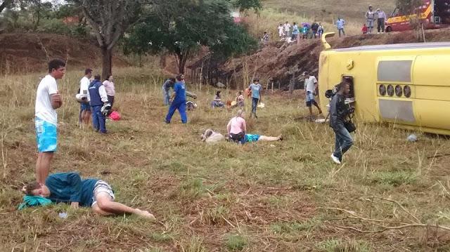 http://4.bp.blogspot.com/-s6eKimklHLA/U5s6hexhggI/AAAAAAAAKcc/RVAGtRJu3JE/s1600/acidente+brasil+103+fm.jpg