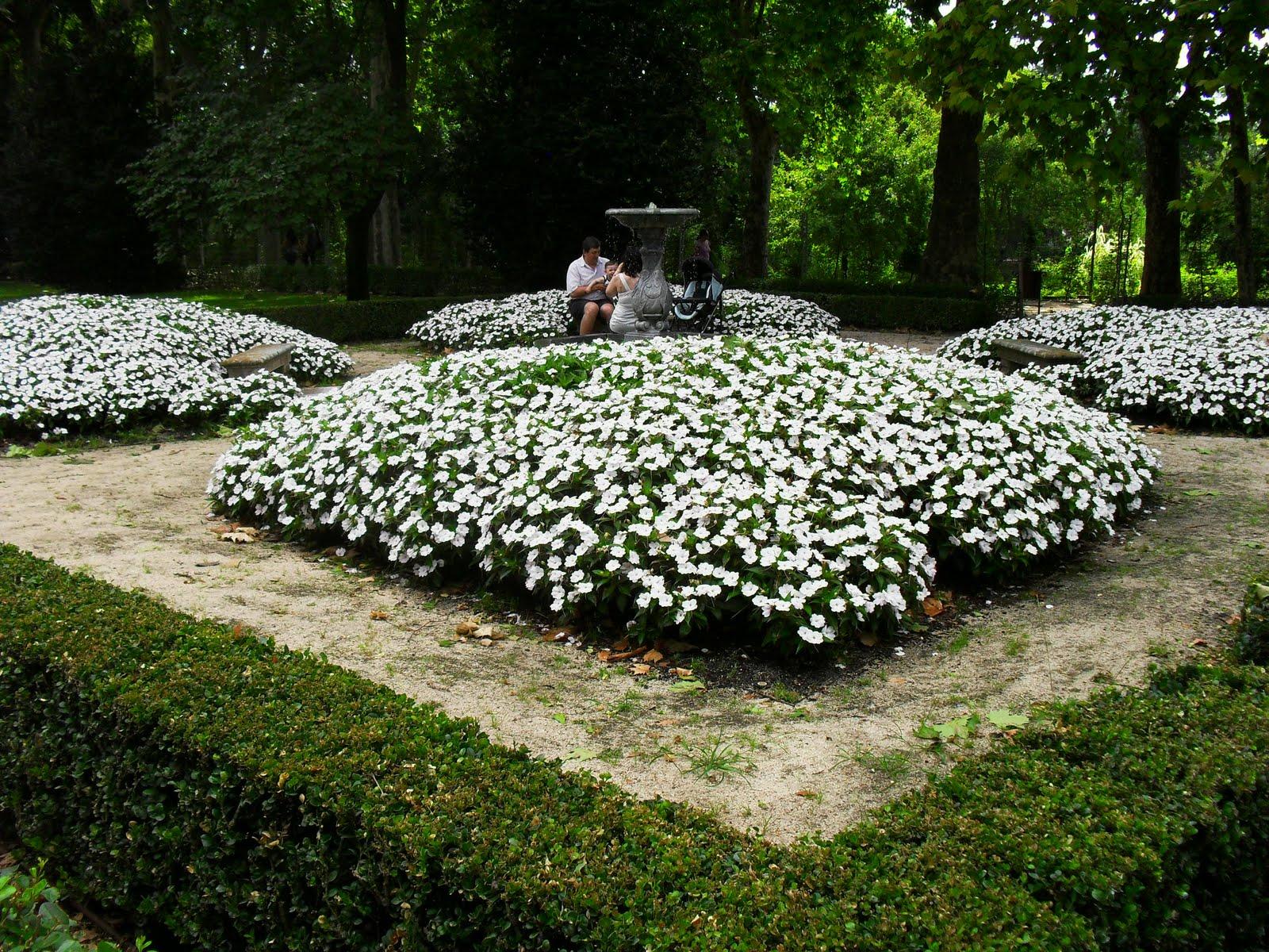 Arte y jardiner a jardin el capricho for Diseno de parques y jardines
