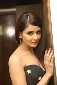 Parul Yadav latest glam pics-thumbnail-19