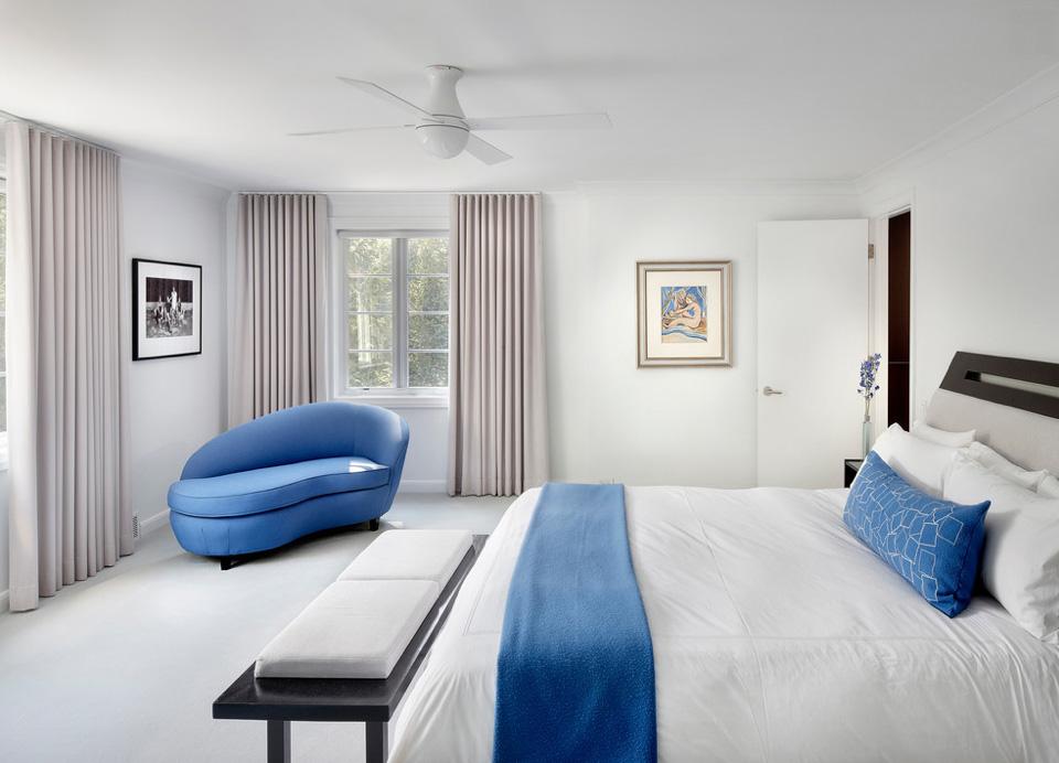 modern interior design: ball/whirlybird flushmount ceiling fan