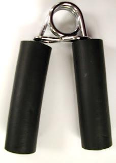 http://4.bp.blogspot.com/-s7RNVjsjLU4/UDl2rUuyd9I/AAAAAAAABhE/LVrcyWurw4Y/s1600/Hand+exerciser+v+grip.jpg