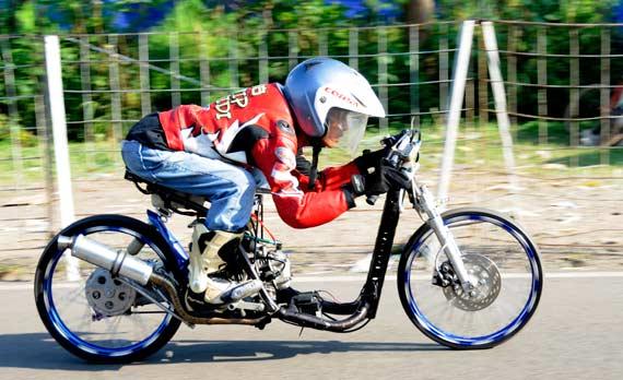 Modifikasi motor drag mio untuk drag race title=