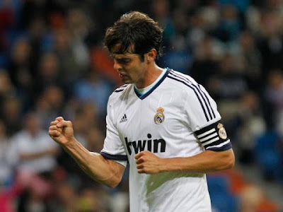 ¡Kaká regresa a la titular del Real Madrid!