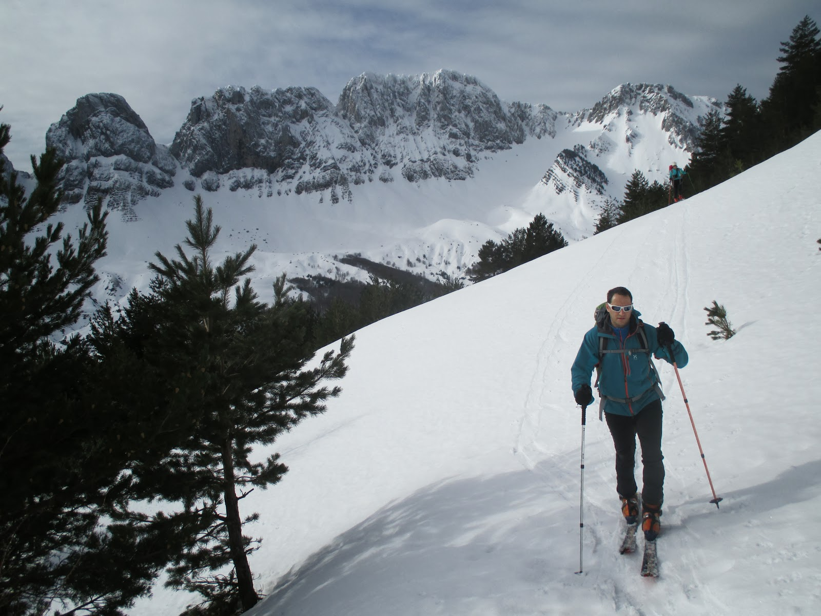 Esqui de montañaen  Zuriza (Pirineo Aragones)