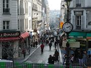 Paris Montmartre. Bonjour tout le monde, (paris montmartre street)
