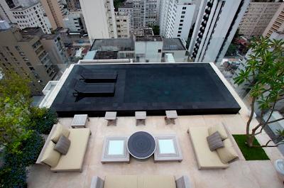 piscina preta