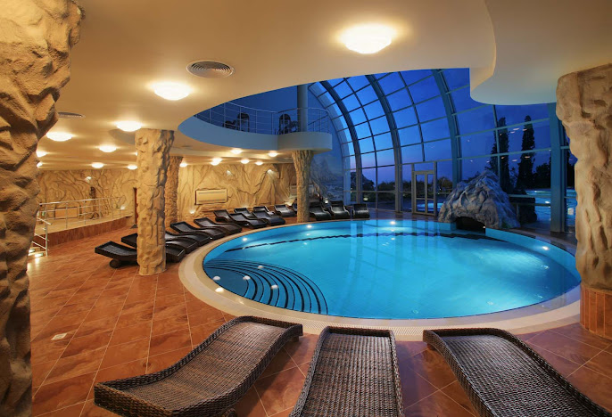 #9 Indoor Swimming Pool Design Ideas