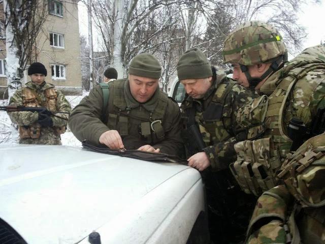 Украина отгораживается от Донбасса и Крыма