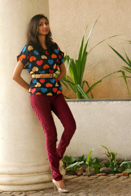chandana indian fashion blogger, top indian fashion blogger, top 20 fashion blogs, the girl at first avenue, heart print oasap top, heart print tops valentines day