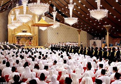 official blogspot : [pic] majlis kahwin anak perempuan sultan brunei