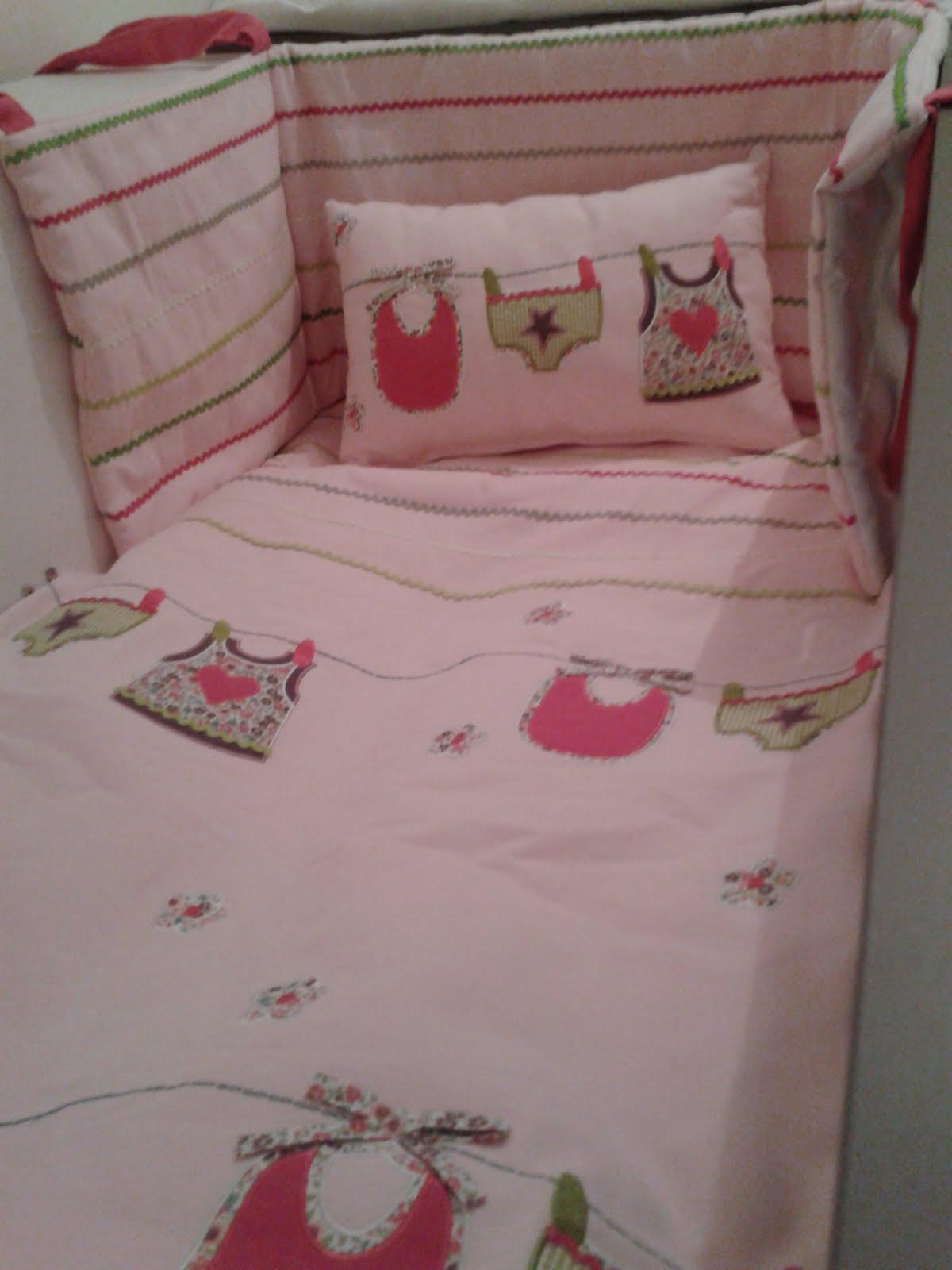 des murs enchant s peinture murale desmursenchantes. Black Bedroom Furniture Sets. Home Design Ideas