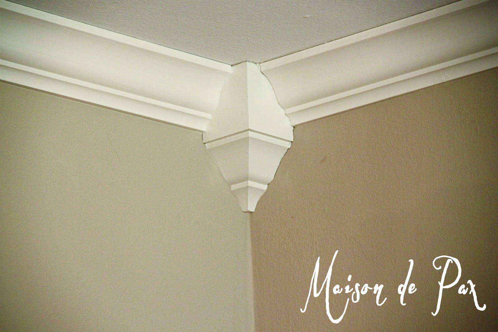 Installing crown molding maison de pax for 9 inch crown molding