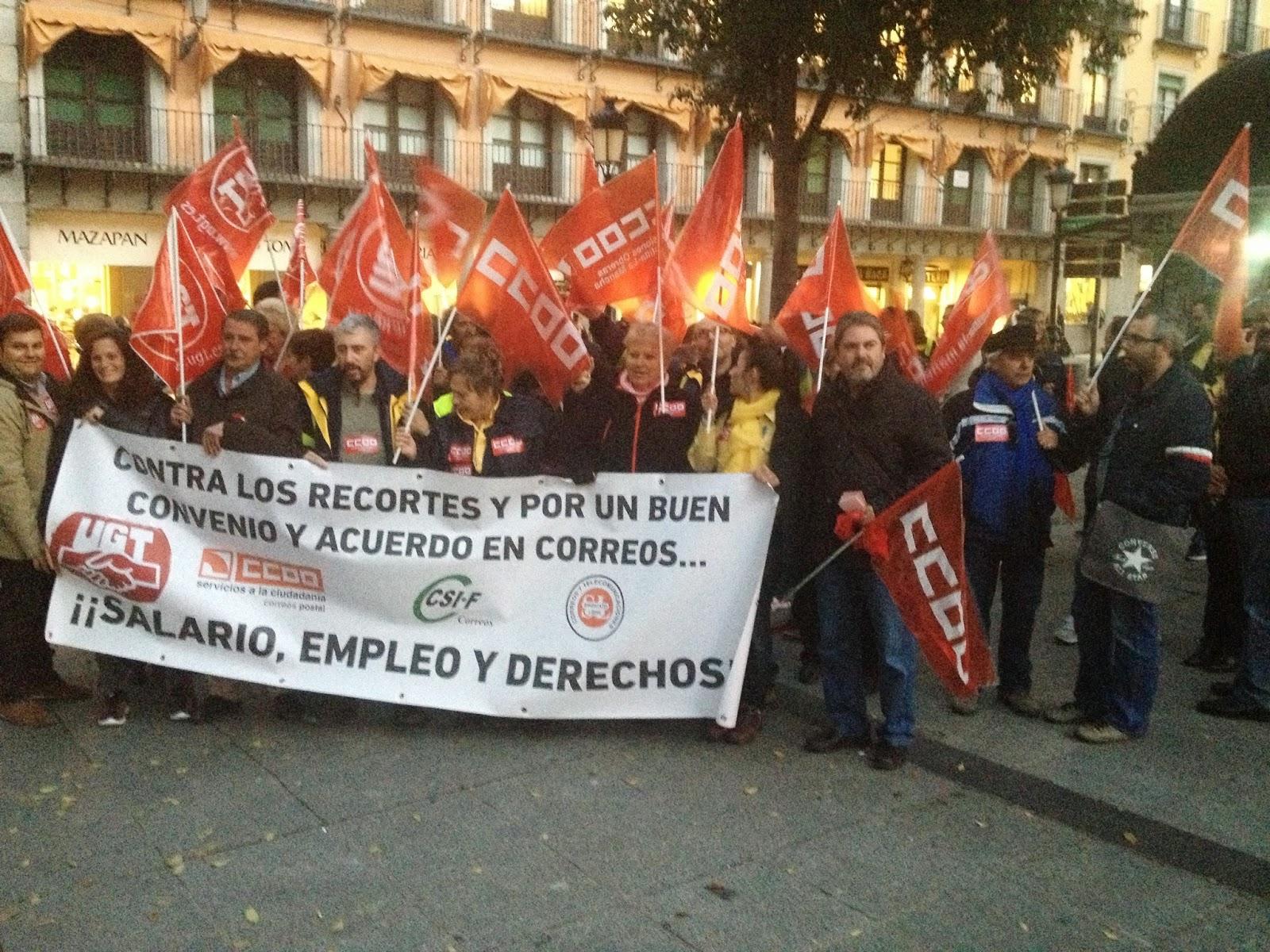 Protestas en correos de toledo por los recortes de for Oficina de correos toledo